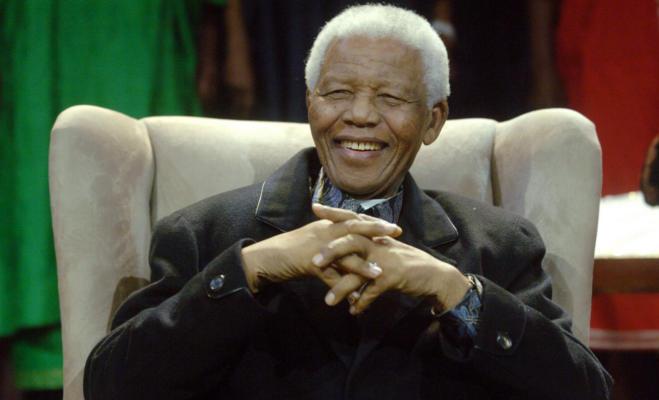 नेल्सन मंडेला दिवस : अफ्रीका के गांधी,जिन्होंने खाली हाथ ढहा दिया था नस्लभेद का किला