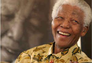 नेल्सन मंडेला दिवस : अफ्रीका के गांधी, जिन्होंने खाली हाथ ढहा दिया था नस्लभेद का किला