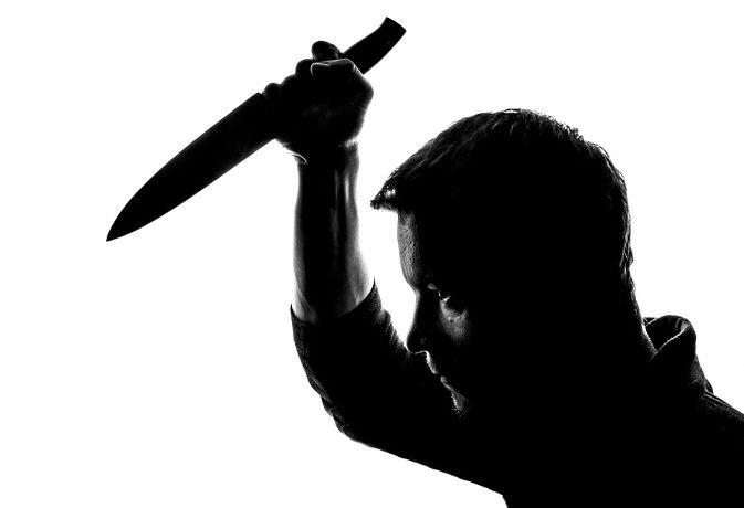 पत्नी-बच्चों की हत्या कर लगा ली फांसी