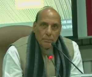 Pulwama Terror Attack: गृहमंत्री ने की सर्वदलीय बैठक, गुलाब नबी आजाद बोले टेरर के खात्मे में कांग्रेस सरकार के साथ