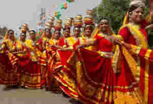 पीएम मोदी का मेगा रोड शो, देखें स्वागत की तैयारी