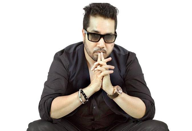 मीका सिंह ने बोला 'हमारा पाकिस्तान', मनसे ने कहा अब मुंबई में माइक पकड़कर दिखाओ
