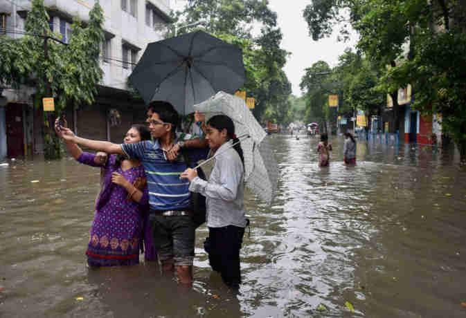 अभी चलती रहेगी मानसून की फुहार, उत्तर भारत में रुक-रुक कर तो पश्चिमी में जम कर बरसेंगे बादल
