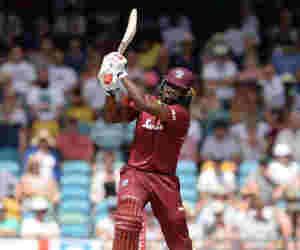 ये धुरंधर बना दुनिया में सबसे ज्यादा छक्के लगाने वाला बल्लेबाज, पहुंचा अफरीदी के बराबर