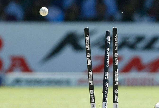 Ind vs Eng : इंग्लैंड में सबसे ज्यादा विकेट लेने वाला भारतीय गेंदबाज सिर्फ एक 'हाथ' का था