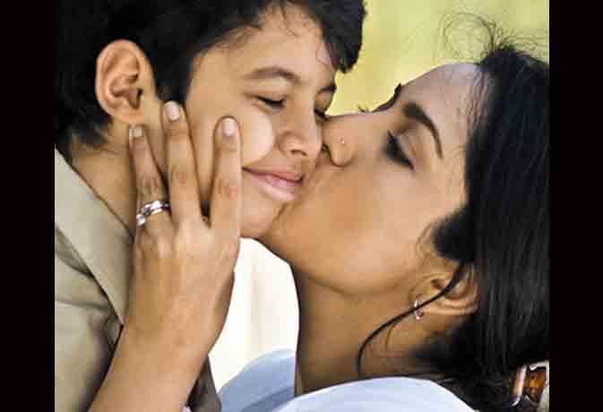 बॉलीवुड मदर्स : आप भी सुनिए मां की ममता