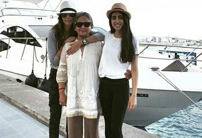 अमिताभ की नातिन नव्या और पत्नी जया की ये तस्वीरें देख कर आप को भी आ जायेगा प्यार