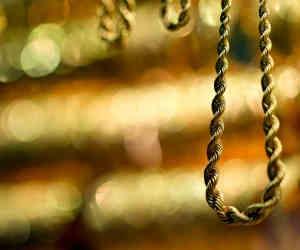 गजब! महिला की चेन लूटी और गोल्ड फाइनेंस में गिरवी रख लिया 50 हजार का लोन