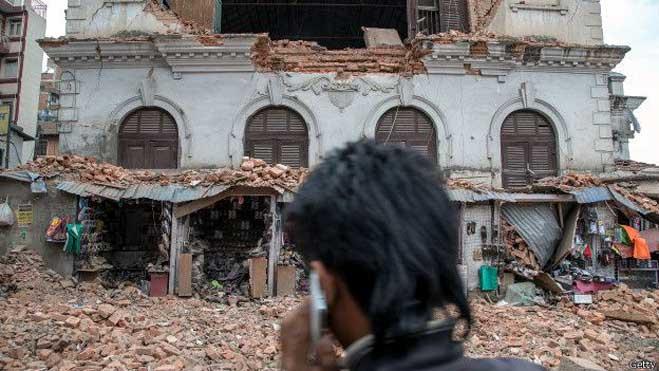 अक्सर भूकंप के बाद आते हैं बार-बार झटके,ऐसे में इन 10 बातों का ध्यान जरूर रखें