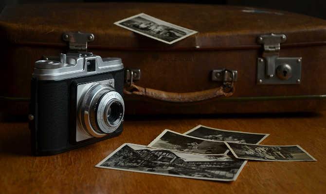 पुरानी फैमिली फोटो को ऐसे बनाएं खूबसूरत और जानदार,वो भी इतनी आसानी से