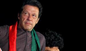 पाकिस्तान : प्रधानमंत्री बनने से पहले ही राजनीतिक भ्रष्टाचार मामलें में इमरान खान को समन