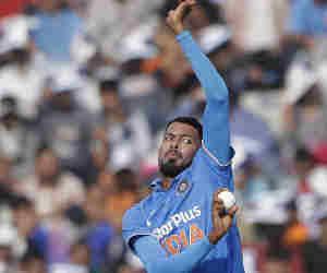 Ind vs Aus : सीरीज शुरु होने से दो दिन पहले ये विवादित भारतीय क्रिकेटर हुआ टीम से बाहर