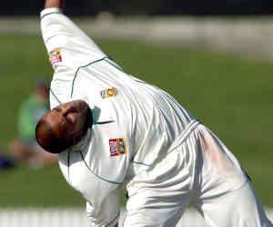 वो अनोखा गेंदबाज जो आसमान की तरफ देखकर करता था गेंदबाजी, चटकाए 163 विकेट
