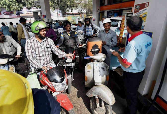 अगर राज्यों ने मानी नीति आयोग की सलाह तो सस्ता हो जाएगा पेट्रोल-डीजल