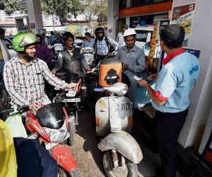 राज्य चाहें तो सस्ता कर सकते हैं पेट्रोल कीमतें : नीति आयोग