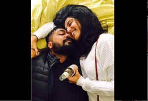 तस्वीरें : 'मनमर्जियां' डायरेक्टर अनुराग कश्यप अपने से 22 साल छोटी इस लड़की के प्यार में पडे़, टूट चुकीं दो शादियां