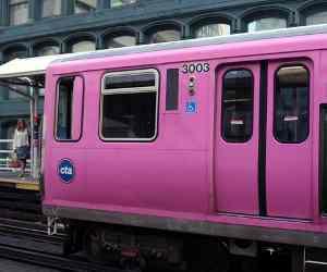 पिंक कैब के बाद अब महिला यात्रियों के लिए ट्रेनों में लगेंगे पिंक कोच