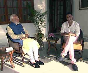 पीएम मोदी इसलिए पहनते हैं उल्टी घड़ी, अक्षय कुमार संग बातचीत में खोले कर्इ राज