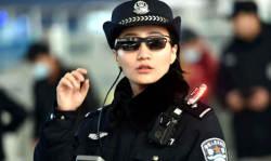 चाइनीज पुलिस ऑफिसर्स के ये सनग्लासेस सेकेंडों में पहचान लेते हैं हर अपराधी को, वैसे ये चश्में इंडियन पुलिस को कब मिलेंगे?