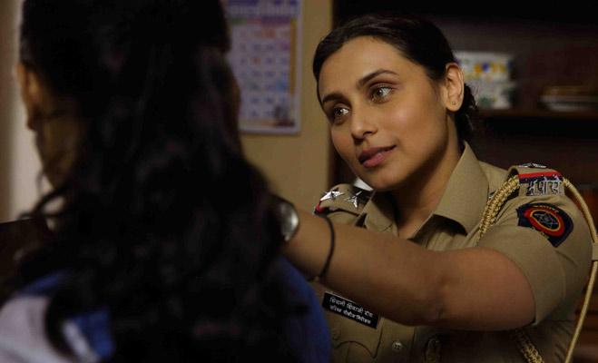 पहली बार पुलिसवाले बनेंगे रणवीर,हीरो नहीं इन 5 हसीनाओं ने भी निभाया वर्दी वाला किरदार