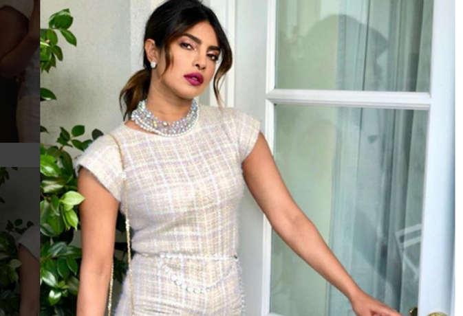 भारत के अलावा प्रियंका के हाथ लगी एक और हिंदी फिल्म,शेयर की मूवी की स्क्रिप्ट