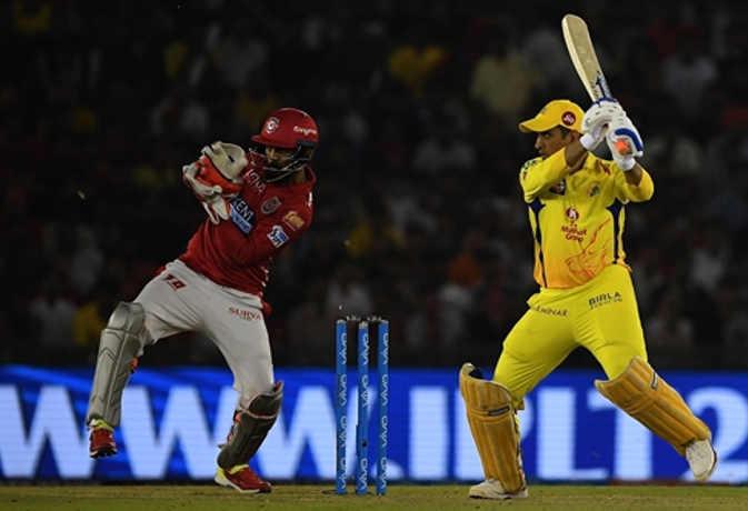 IPL 2018 : आखिरी गेंद पर छक्का लगाकर भी हार गए धोनी, पंजाब ने 4 रन से जीता मैच