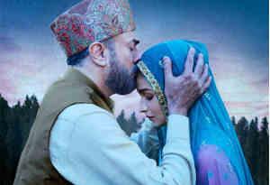 फिल्म 'राजी' का गाना 'दिलबरो' हुआ रिलीज , सुनते ही आलिया पापा महेश भट्ट को याद कर रो पडी़
