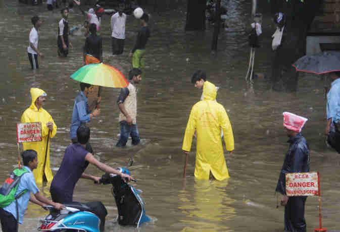 शनिवार के बाद रविवार को भी दिल्ली में जमकर बरसेंगे बादल, देश के बाकी हिस्सों में रहेगा यह हाल