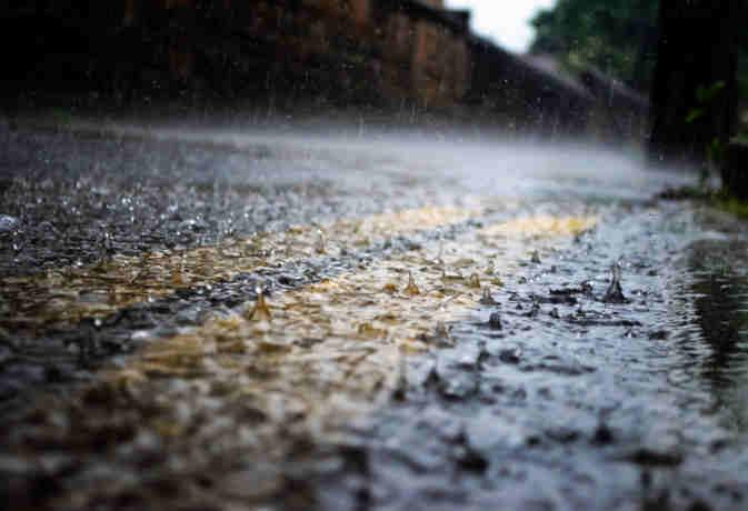 बिगड़ा रहेगा मौसम का मिजाज,   बारिश से अभी भी सराबोर रहेंगे यूपी उत्तराखंड समेत ये राज्य