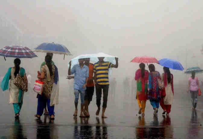 मौसम विभाग की चेतावनी,  आज यूपी-दिल्ली समेत इन राज्यों में झमाझम बरसेगा पानी