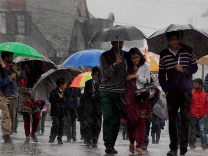 माैसम : अरब सागर व बंगाल की खाड़ी में बना लो प्रेशर,तमिलनाडु में भारी बारिश को लेकर रेड अलर्ट