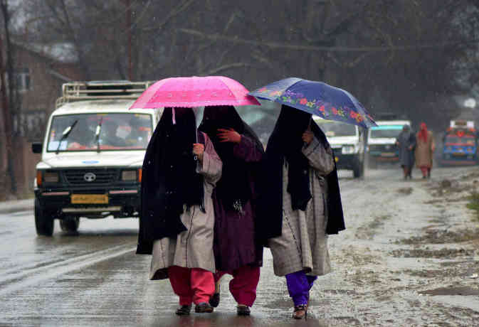 माैसम : दिल्ली पंजाब वाले रहें अलर्ट! पहाड़ों के साथ इन मैदानी इलाकों में भी बारिश से बिगड़ सकते हालात
