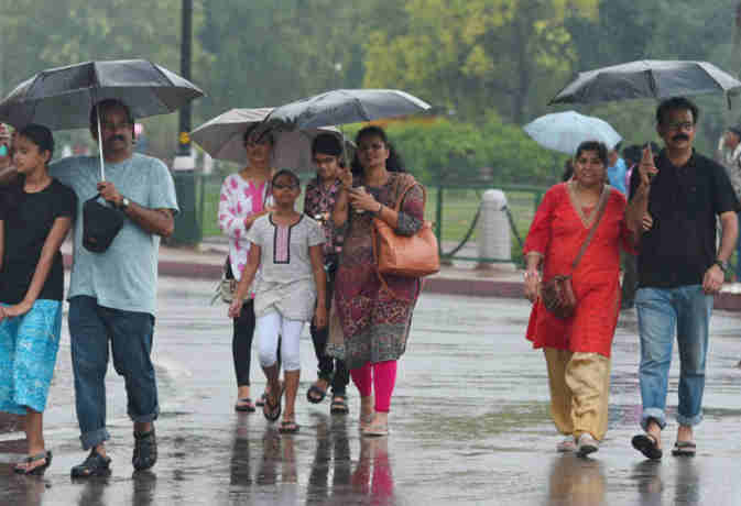 रक्षाबंधन शाॅपिंग पर निकल रहे है तो देख लें मौसम का मिजाज,  उत्तर भारत के इन इलाकों में होगी भारी बारिश