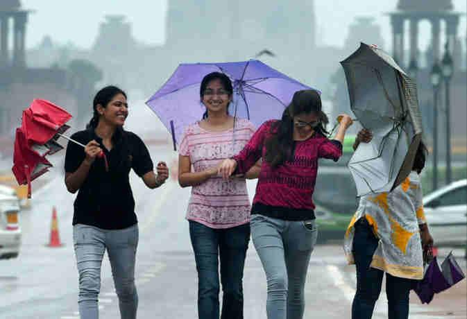 उत्तर आैर मध्य भारत में आज भारी बारिश के आसार, जानें पूरे देश का हाल