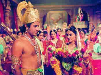 रामायण की ऐसे होती थी शूटिंग, तपती धूप में चलना पड़ता था पैदल, सीता बनी दीपिका चिखलिया ने साझा की पुरानी यादें