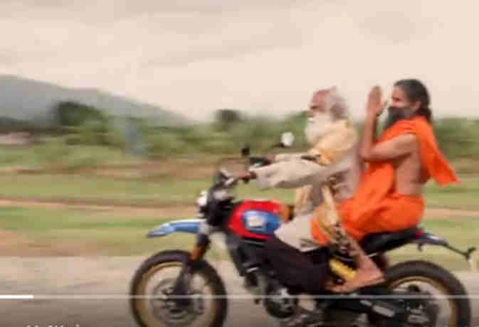 जब सद्गुरु जग्गी वासुदेव ने बाबा रामदेव को करार्इ डुकाटी की सवारी