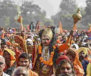 अयोध्या : मंदिर निर्माण का संकल्प लेने पहुंचे मुलायम सिंह यादव,  जमकर बरसे