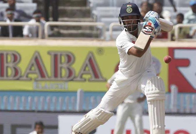 IND vs AUS : पुजारा इस सीरीज में शतक जड़ने वाले पहले भारतीय, भारत का स्कोर 300 के पार