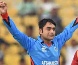 ये रहस्यमयी गेंदबाज बना बल्लेबाज, लगातार छक्के मार एक ओवर में जड़ दिए 28 रन