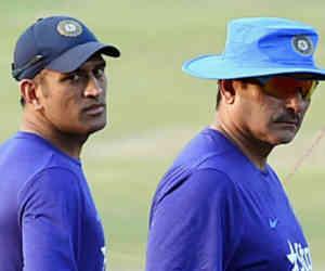 धोनी नहीं लेंगे संन्यास, कोच रवि शास्त्री ने बताई अंपायर से गेंद लेने की असल वजह
