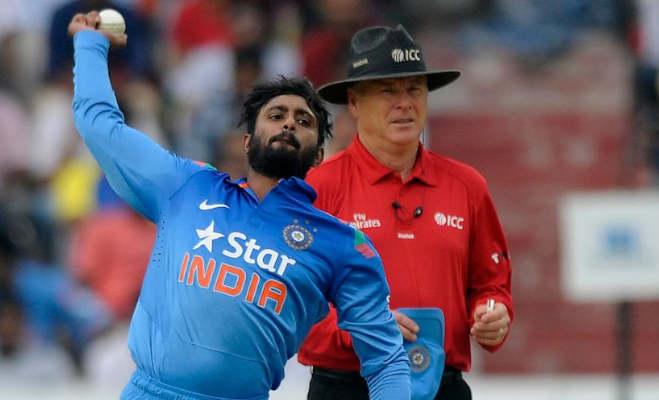 न्यूजीलैंड में शानदार फार्म में चल रहे इस भारतीय खिलाड़ी की गेंदबाजी पर लगा बैन