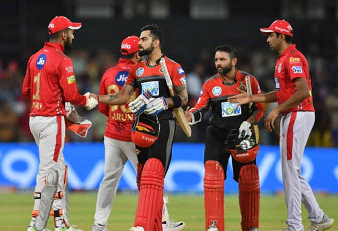 IPL 11 : बिना विकेट खोए मैच जीत गए कोहली, 20 ओवर भी नहीं खेल पाई पंजाब