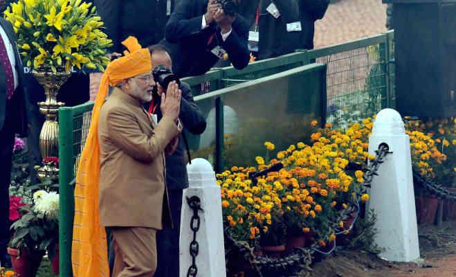 70th रिपब्लिक डे : हर गणतंत्र के साथ बदलता रहा है पीएम मोदी के साफे का रंग