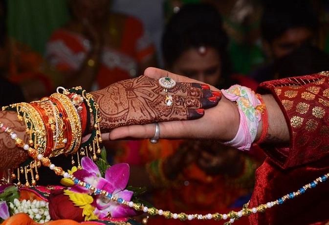 मांगलिक कुण्डली: गैर मांगलिक से भी हो सकता है विवाह,जानें मंगल दोष निवारण के आसान उपाय