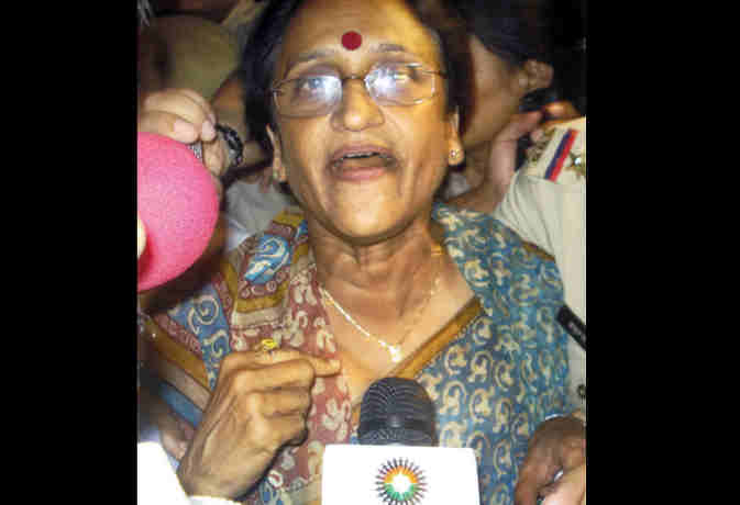 देवरिया मामले में शारीरिक शोषण की पुष्टि , मंत्री रीता बहुगुणा जोशी ने राजनैतिक दलों को घेरा