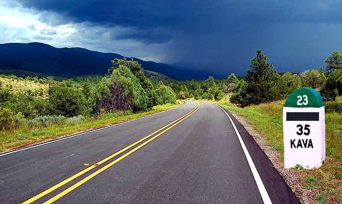 क्या राज बताते हैं सड़क किनारे लगे हुए ये रंग बिरंगे मील के पत्थर
