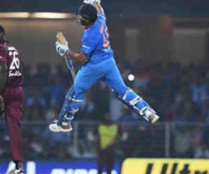 तीसरा टी-20 : विंडीज के खिलाफ 69 रन बनाते ही रोहित बना देंगे वो रिकाॅर्ड जहां पहले कोर्इ नहीं पहुंचा