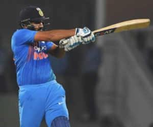 Ind vs Wi टी-20 सीरीज में इस भारतीय बल्लेबाज ने सबसे कम गेंद खेलकर बनाए सबसे ज्यादा रन