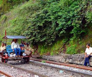 नौकरियां : रेलवे में निकली बंपर वैकेंसियां, 13,487 पदों पर 33 साल वाले तक करें आवेदन
