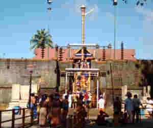 सालाें बाद सबरीमाला मंदिर में कल महिलाएं करेंगी प्रवेश, सरकार ने की कुछ एेसी तैयारी